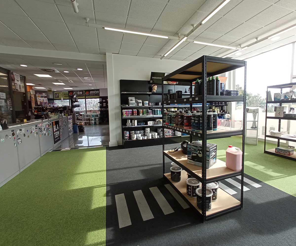 interior-tienda-depincor-malaga-3